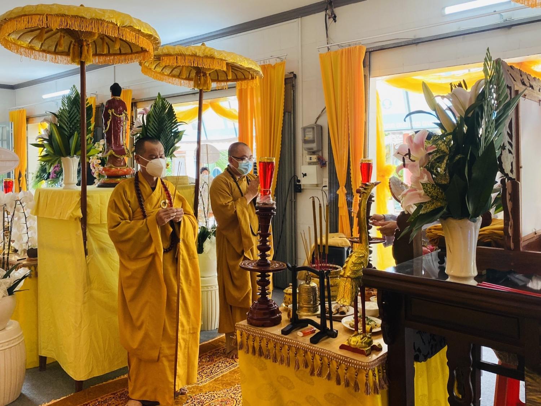Thường trực BTS GHPGVN thành phố Biên Hòa kính viếng lễ tang cố Hòa thượng Thích Phước Minh